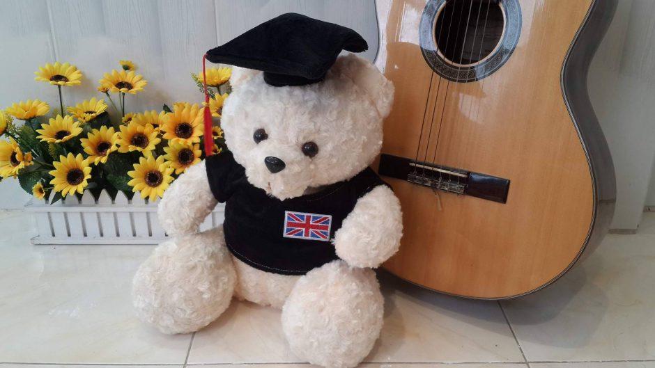 Gấu Bông Tốt Nghiệp - Món Quà Ý Nghĩa - Gấu bông Ú Nu Cần Thơ. Gấu Cử Nhân - Món quà cho ngày lễ Tốt Nghiệp. Gói quà và viết thiệp miễn phí!